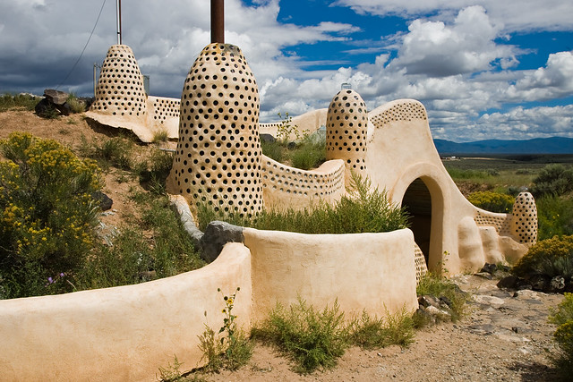 Earthship di Michael Reynolds