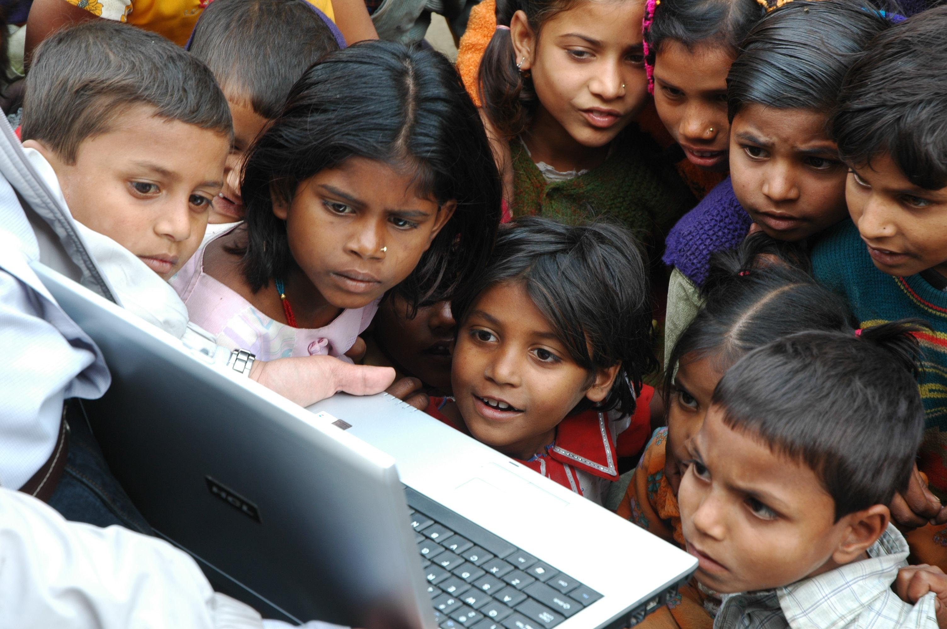 New Media. Stoking the wonderment, Motihari, Bihar