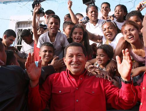 Presidente Chávez inauguró nuevo Mercal Comunal en La Pastora