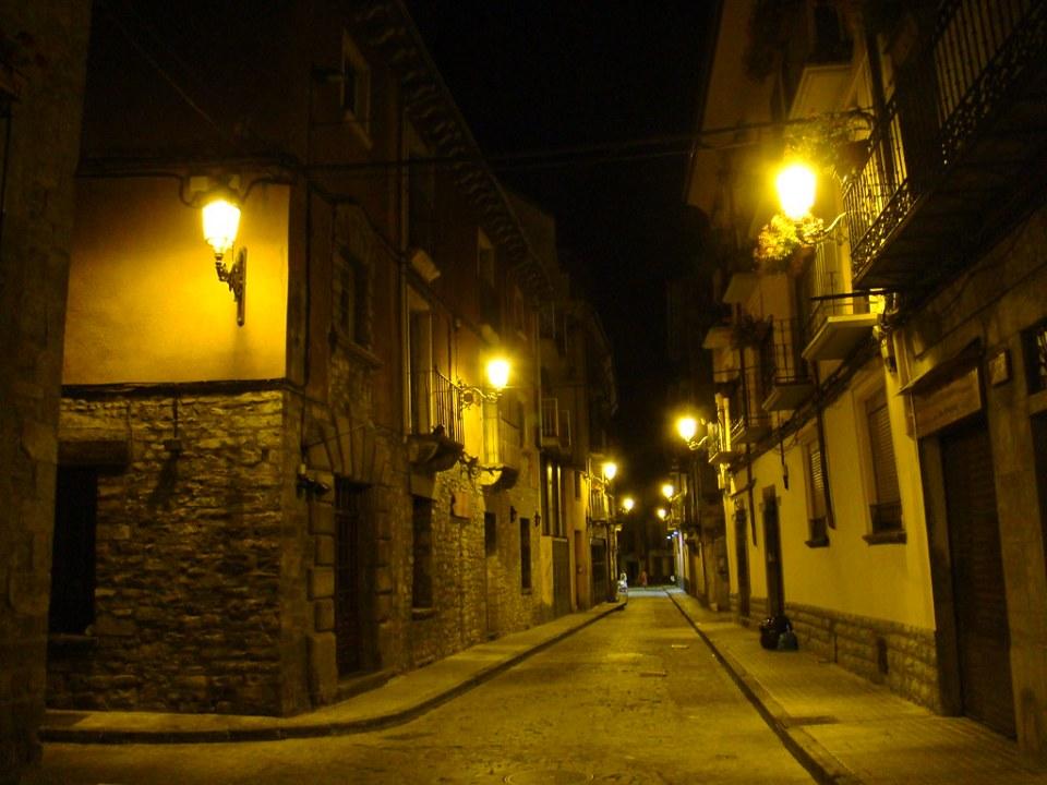 Jaca nocturna calle Huesca 13