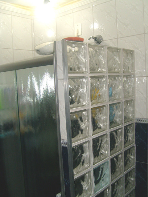 Banheiro do Primeiro Andar Box de Vidro e parede de