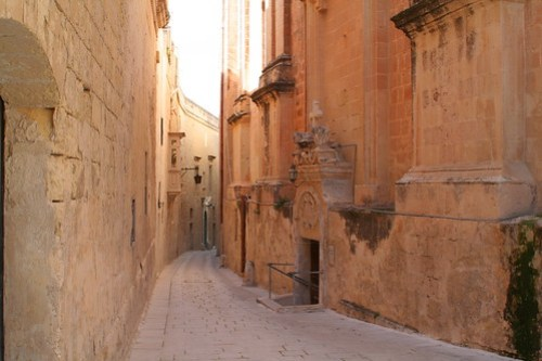 Alleway; Mdina, Malta