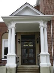 William J. Lee Memorial Town Hall