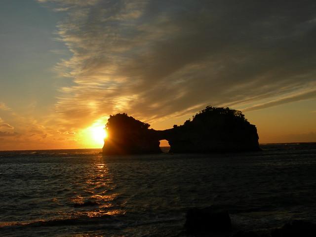 和歌山白濱圓月島日落 | Flickr - Photo Sharing!