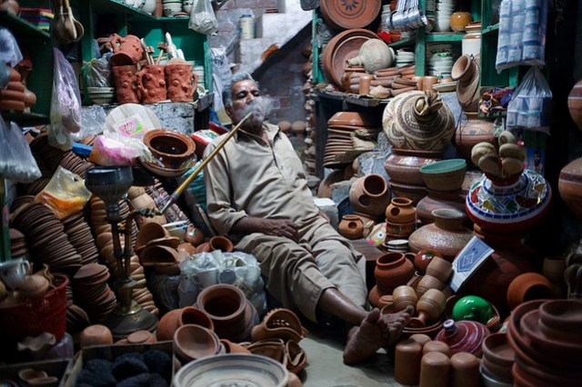 Pottery seller - Lahore, Pakistan