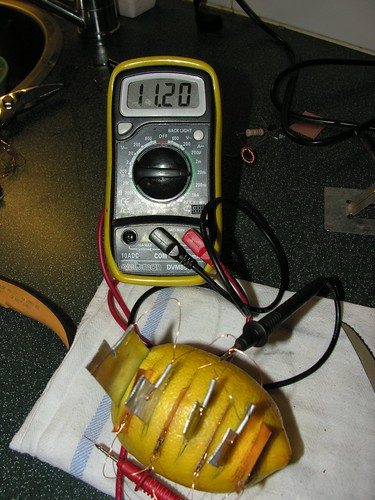 Potato Battery Diagram How To Use Potato Electricity In 4 Steps