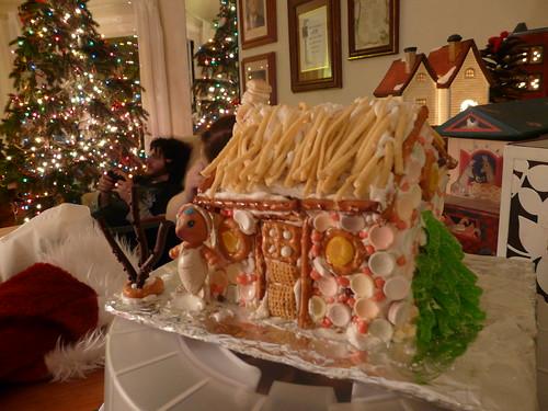 Beachhouse Gingerbread 2