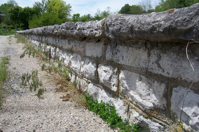 Stone bridge wall