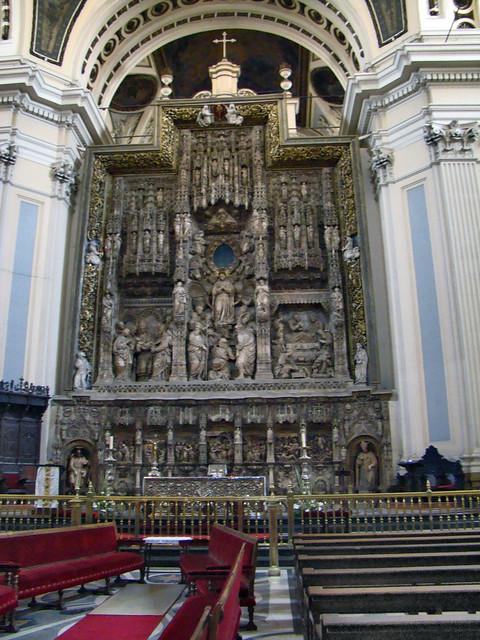 Retablo del altar mayor gotico obra de Damian Forment Catedral Basilica de Nuestra Señora del Pilar Zaragoza 08