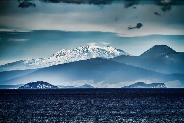 Blue lake, blue mountain