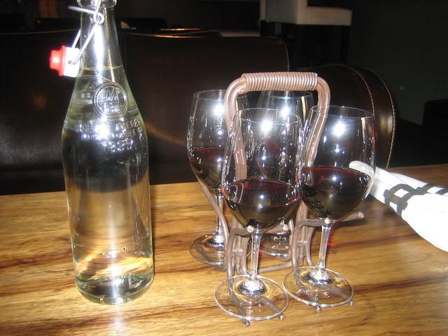 Wine flight holder