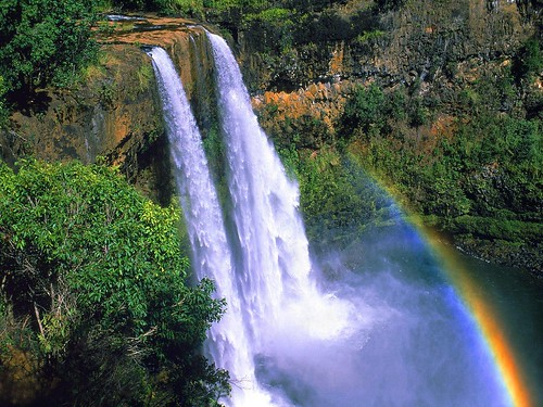 Wailua Falls Hawaii cascata spettacolare sullisola di Kauai  Presstour Blog