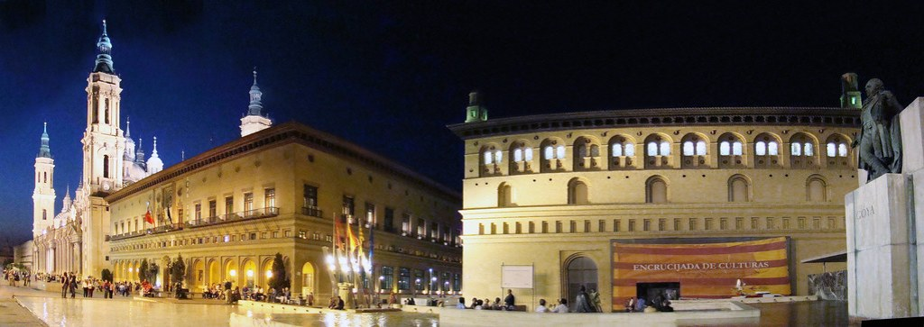 Zaragoza Basilica Ayuntamiento y Lonja Plaza del Pilar 04
