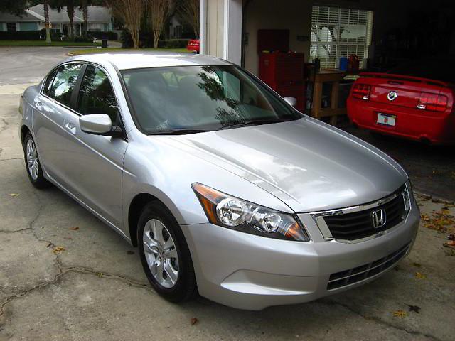 2009 Honda Accord LX Sedan Alabaster Silver Metallic Pai