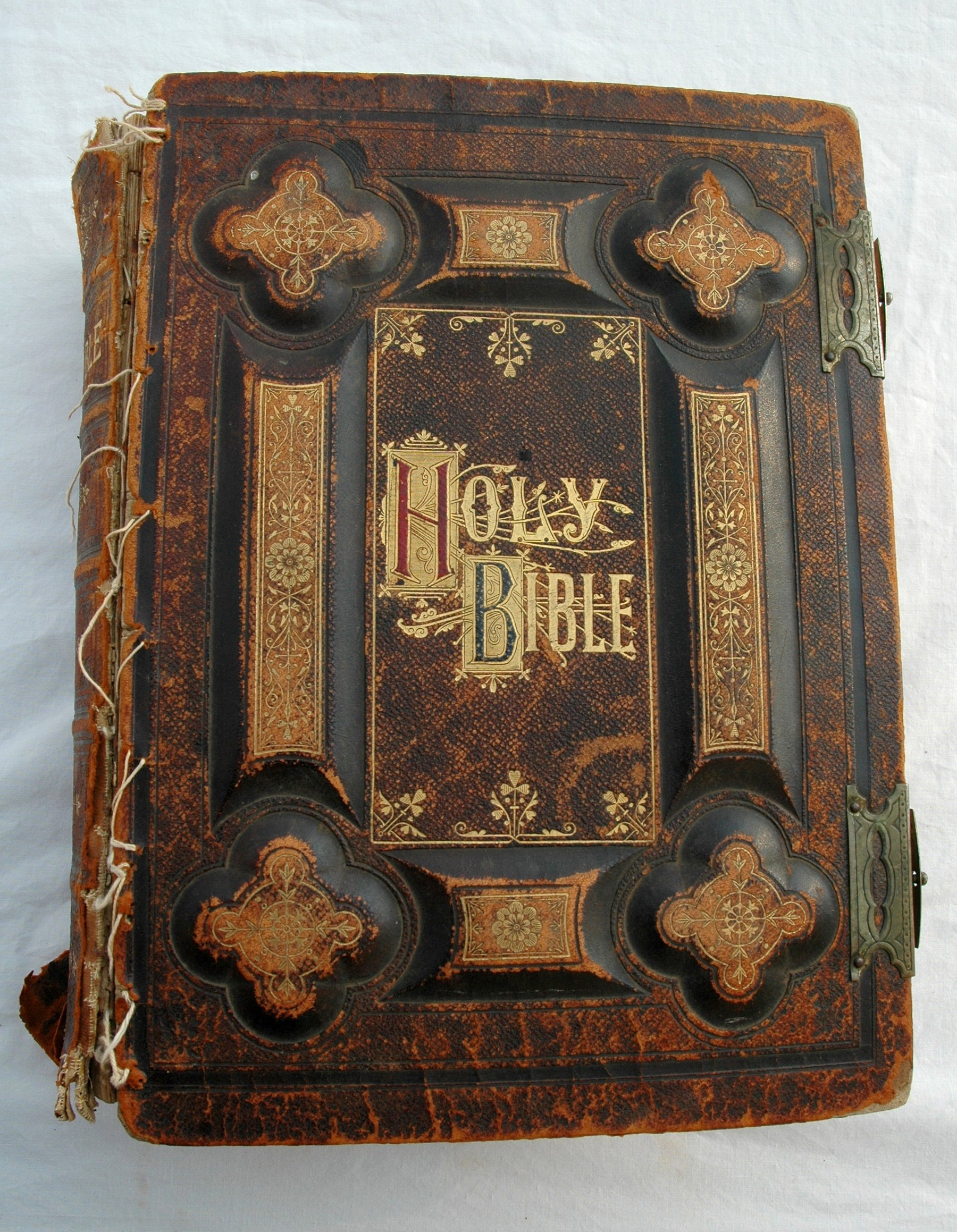 Holy Bible Dated Antique Gold Lettering Leather