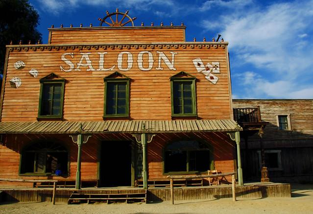 Saloon del oeste  Un saloon era un bar tpico del oeste de   Flickr