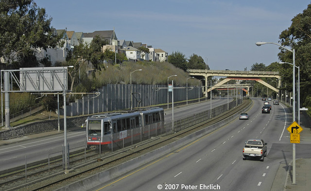 MUNI METRO--1505 at San Jose PRW/St. Mary's OB