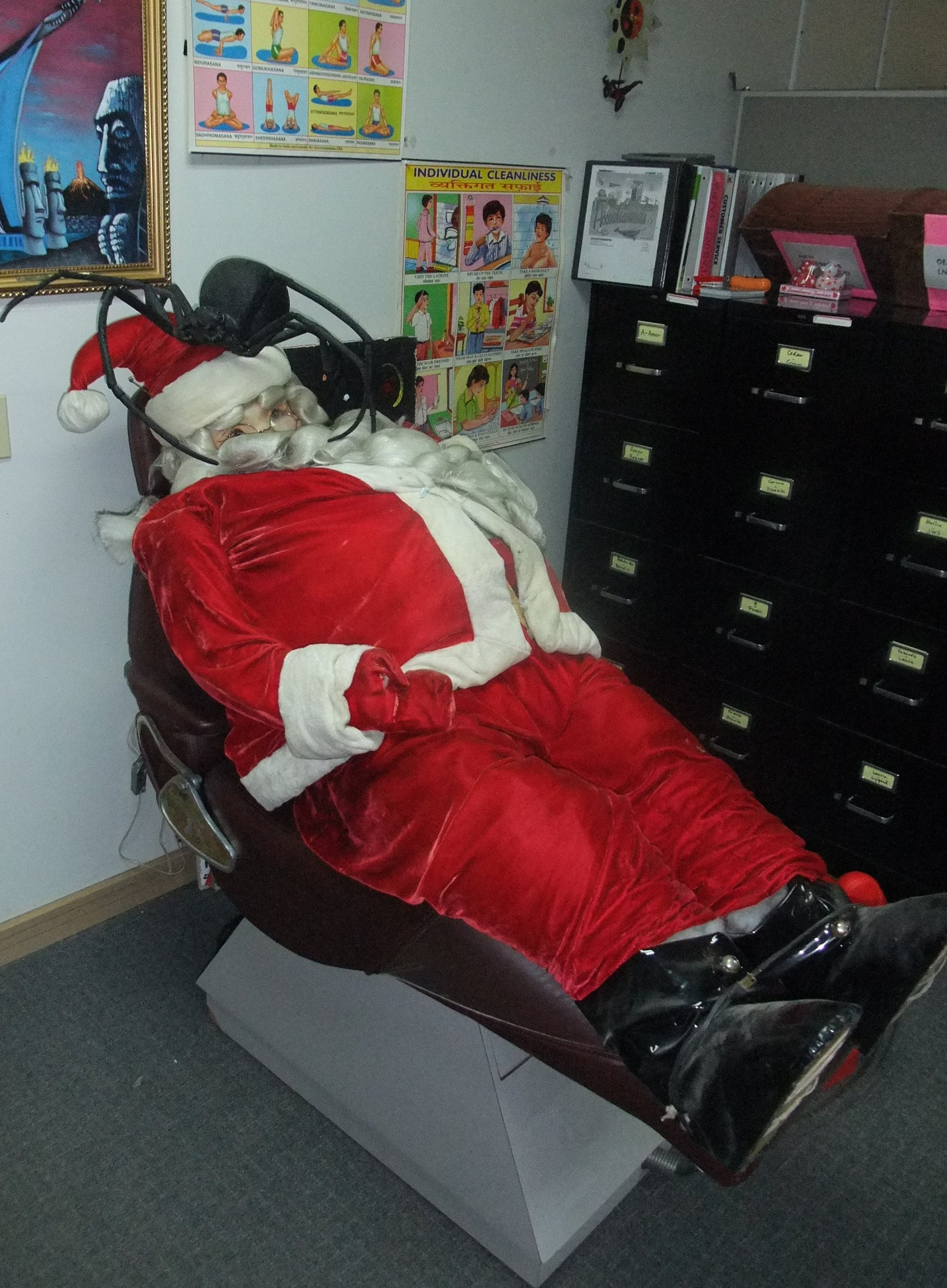 portable dental chair philippines swivel history santa claus in dentist with cockroach picture used