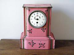 Reloj rosa antiguo
