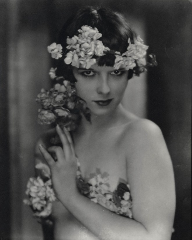Louise Brooks, early 20s.