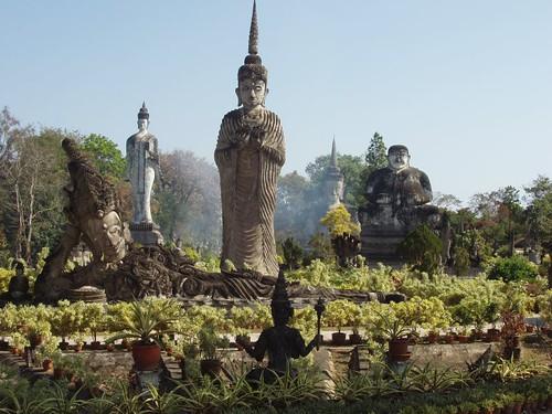 200901240030_Sala-Kaeo-Kou-statuary-garden