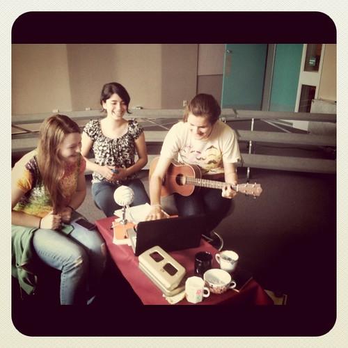 Lunchtime Jam w/ Jacquie, Donya & Olga 06.07.11