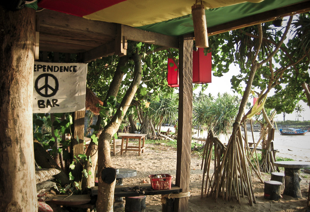Independence Bar, Ko Lanta, what to do in krabi
