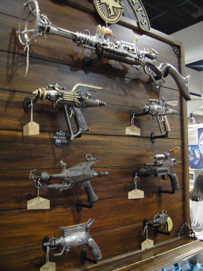 Steampunk Weapons At The Weta Booth The Conmunity Pop