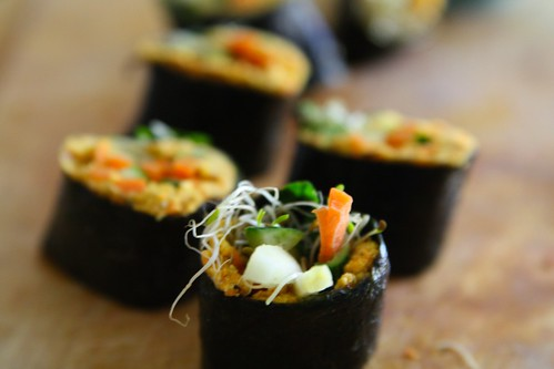 raw vegan sushi rolls