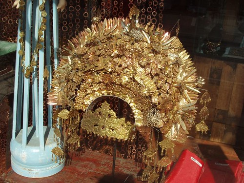 200907190493_traditional-headdress