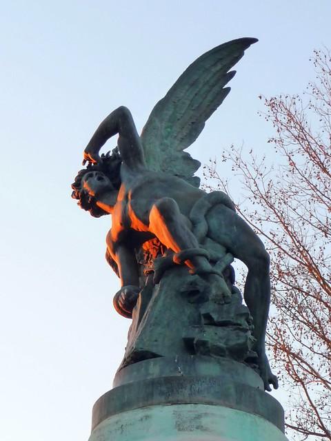 Fallen Angel Statue Retiro Park Madrid Flickr Photo