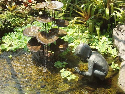 200907260836_child-lily-sculpture