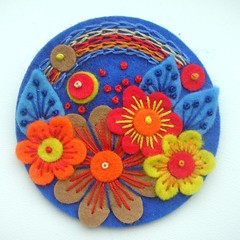 POCKETFUL OF POSIES FELT BROOCH - COBALT