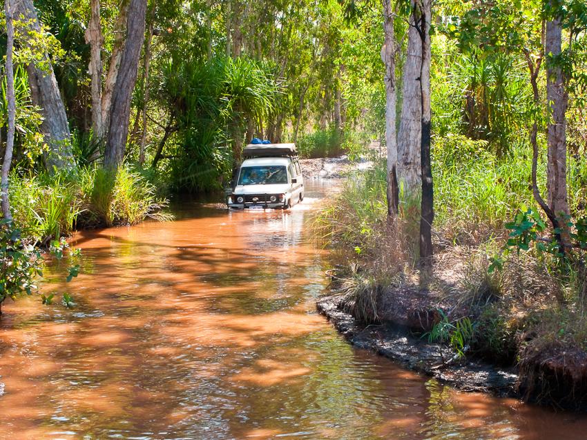 Wasserdurchquerung im Litchfield NP