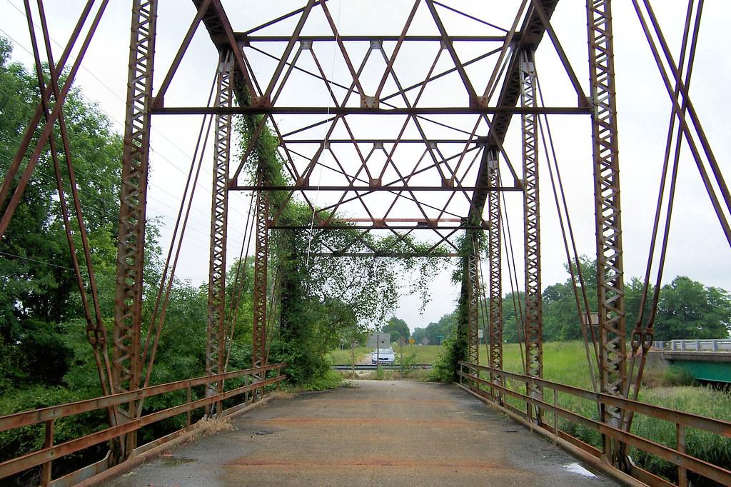 Abandoned US 50 bridge over Little Wabash River