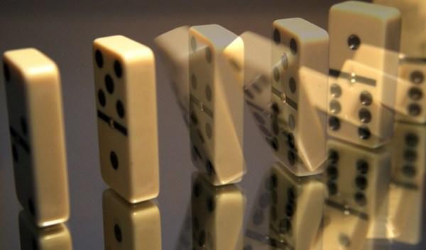 Dominoes (Explore)