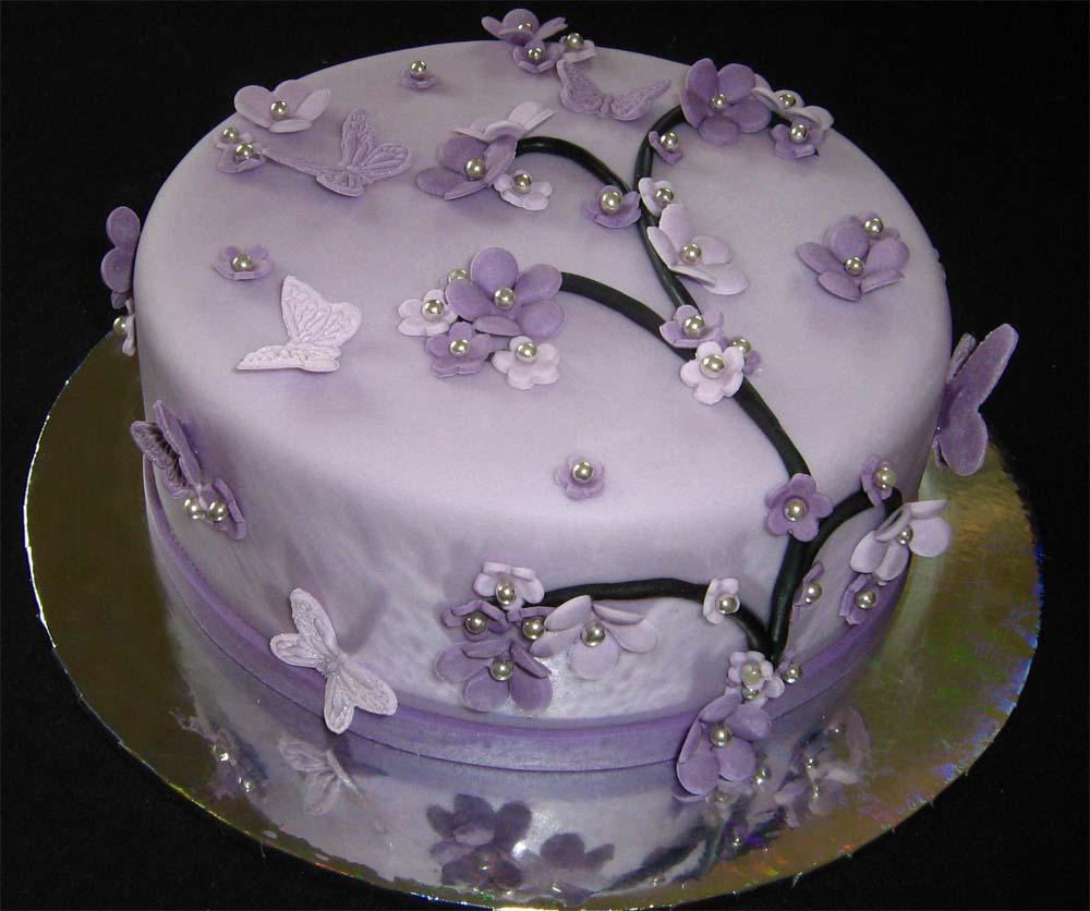 FliederLila TrtchenLavenderLilac Cake  a photo on