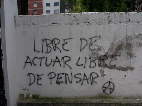 """north Quito (near Parque Carolina), Ecuador: """"Free to act, Free to think"""""""