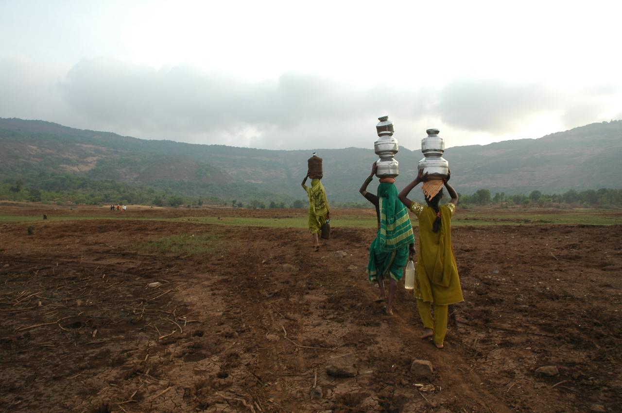 Scores of Pratibhas, Meiras and Sonias walk miles to get couple of litres of water, Khamshet, India