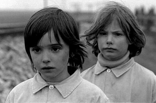 """Fotograma de """"El espíritu de la colmena"""" (1973), de Víctor Erice - Foto: mueredecine, en Flickr"""