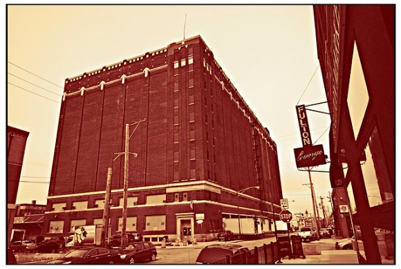 Fulton Market with Lounge - Red Bleach
