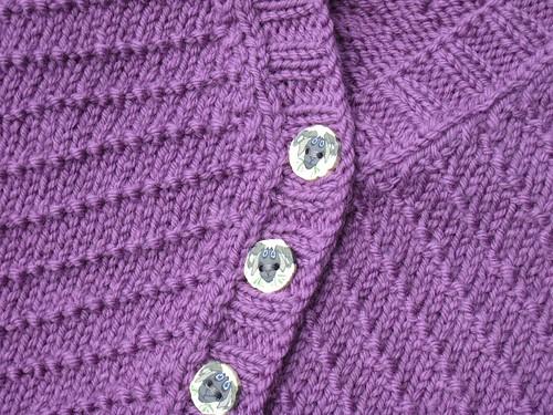 Cardigan_2013_04_03_purple-v-neck-v-pattern_12-months_3_detail