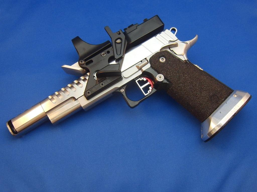 how to work beyblade gun