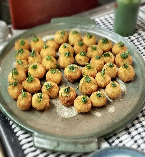 arancini with basil mint pesto by pipsyq