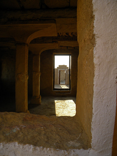 Kulhara, a village west of Jaisalmer in India, was abandoned in a dispute with the ruler of the area.