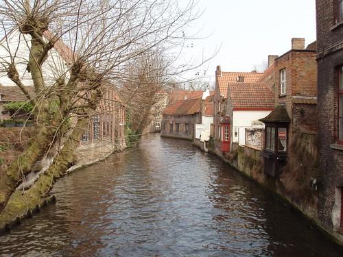 200604160108_Bruges_canal