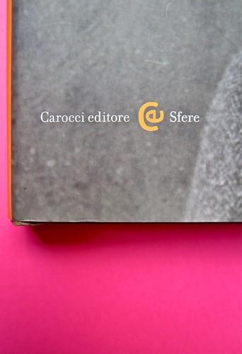 Michael Nedo (a cura di), Una biografia per immagini. Carocci 2013. Progetto grafico di Shoko Mugikura e Michael Nedo. Falcinelli & co. per l'ed. it. Prima di sovracoperta (part.) 2