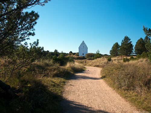 On the trail to Tilsandede Kirke