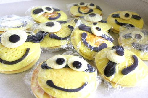 2013 08 Minion Pancakes