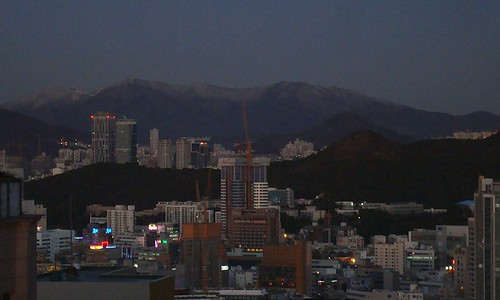 Busan early morning by Jens-Olaf